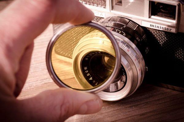 Two classic cameras camera-photography-vintage-lens-largecamera-vintage-lens-design-large